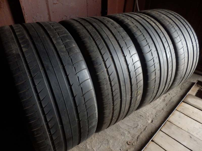 Michelin Latitude  Sport. 295/35R 21