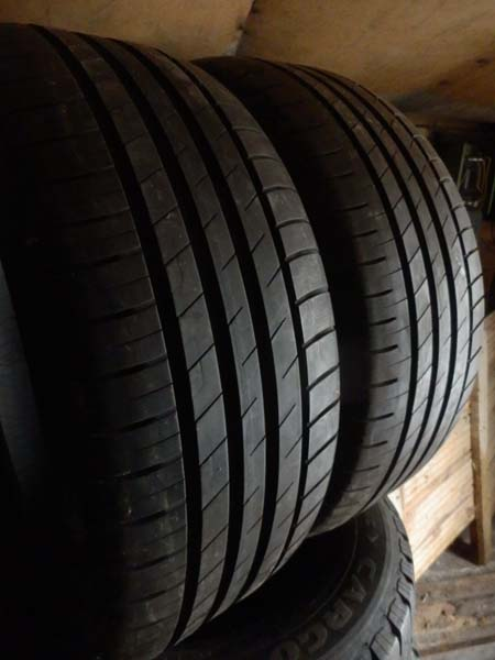 GoodYear Efficient Grip 225/45R 18