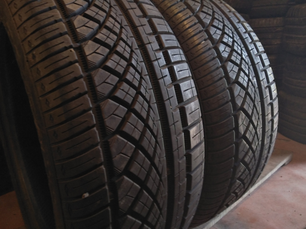 Continental Extreme Contact 235/45R 18