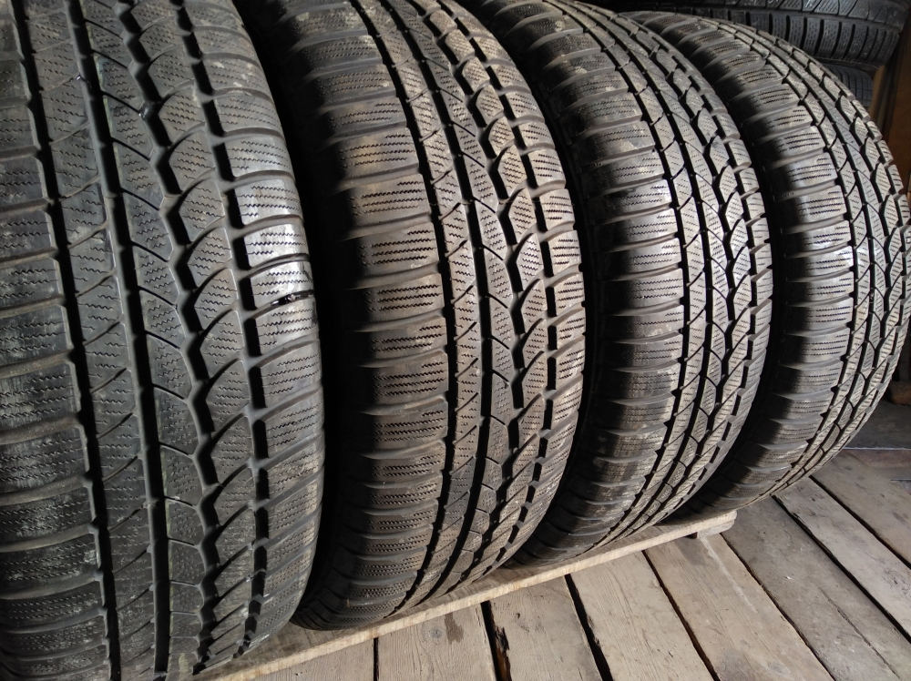 Continental 4*4 WinterContact 265/60R 18