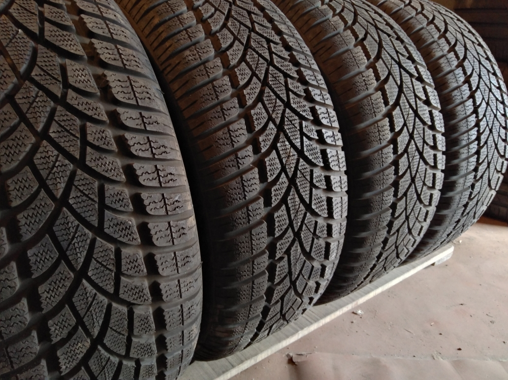 Dunlop SP Winter Sport 3 D 225/45R 18