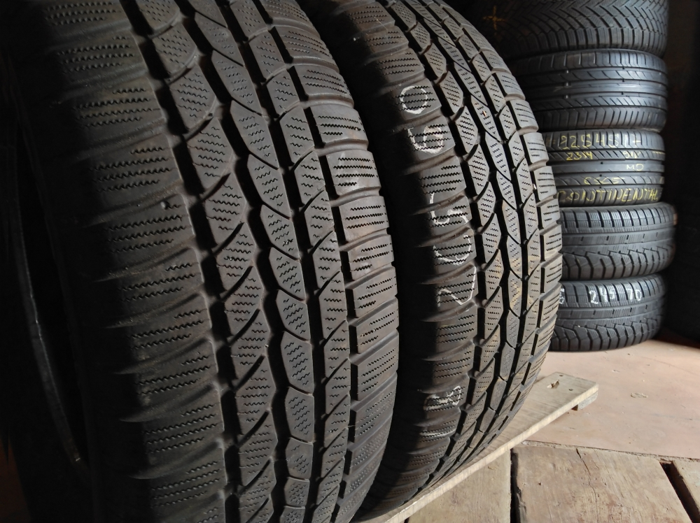 Continental 4*4 WinterContact . 265/60R 18