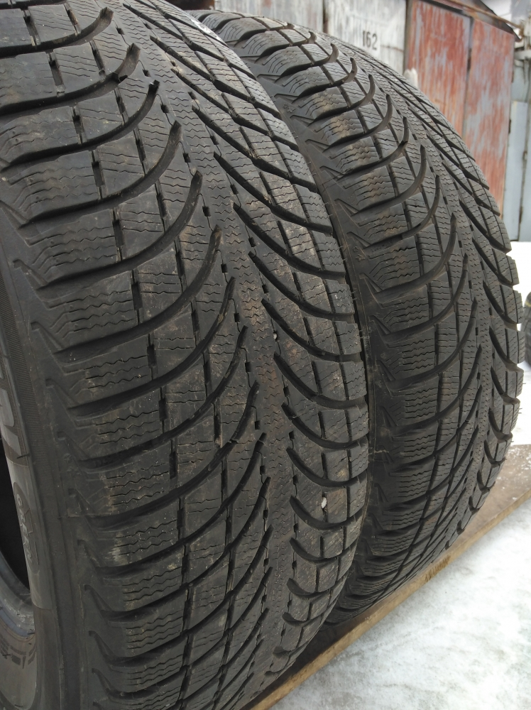 Michelin Latitude Alpin LA 2 215/70R 16