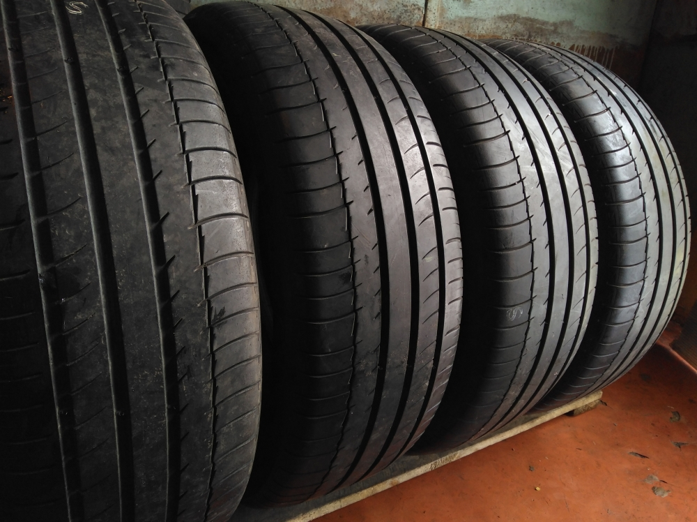 Michelin Latitude Sport. 225/60R 18