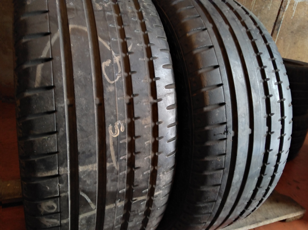 Continental Sport Contact 235/45R 18
