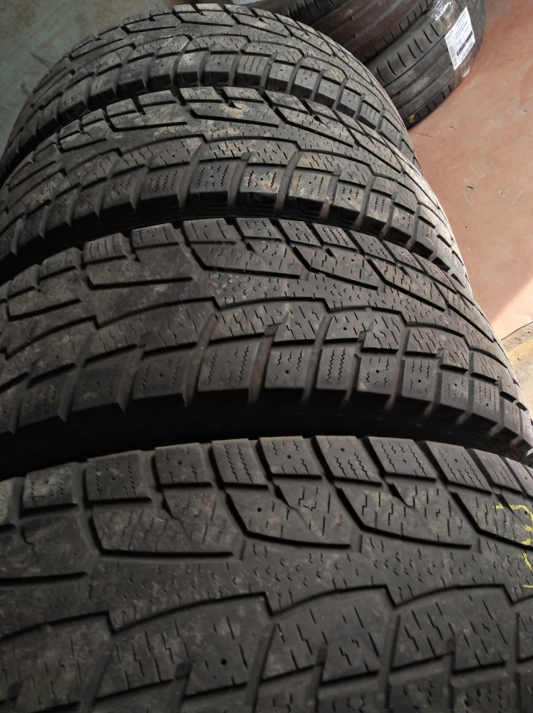 Hankook Winter I Pike LT 225/75R 16C