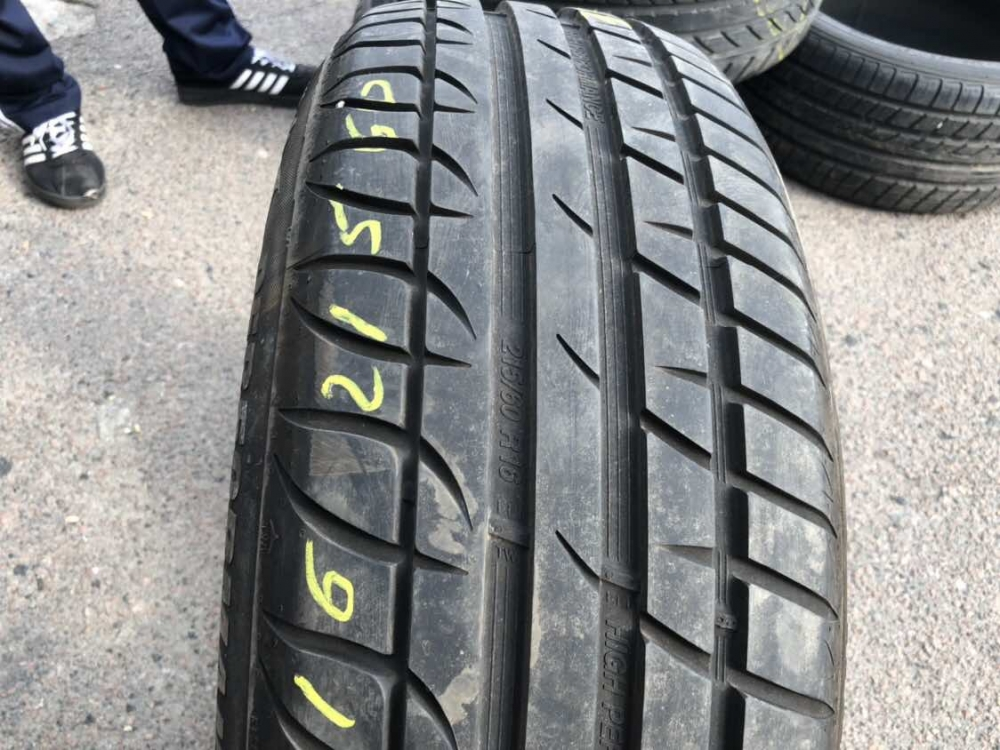Strial Perfomance 215/60R 16