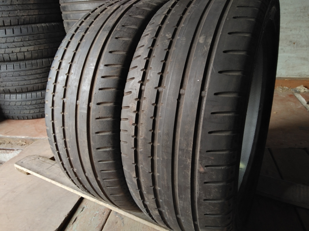 Continental Sport Contact 2 . 235/45R 18