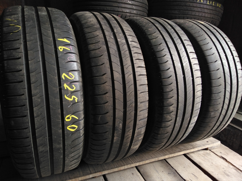 Michelin Energy Saver. 225/60R 16