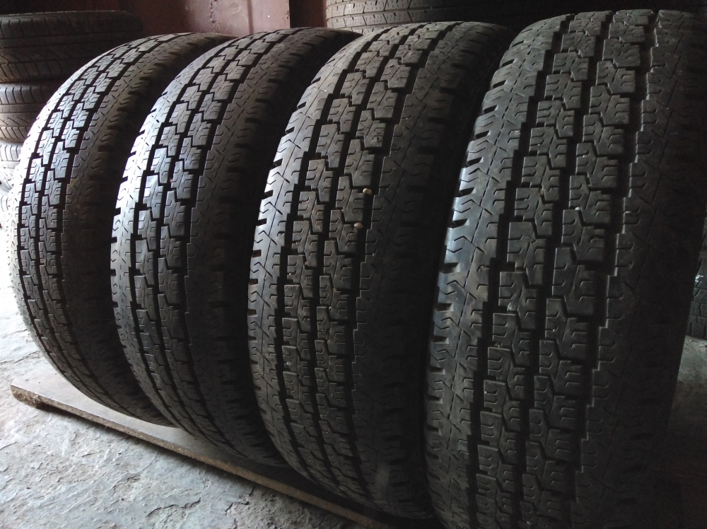 Michelin Agilis 81 205/70R 15C