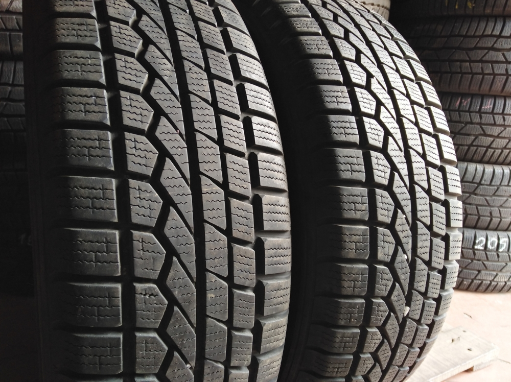 Toyo Open Country 215/70R 16