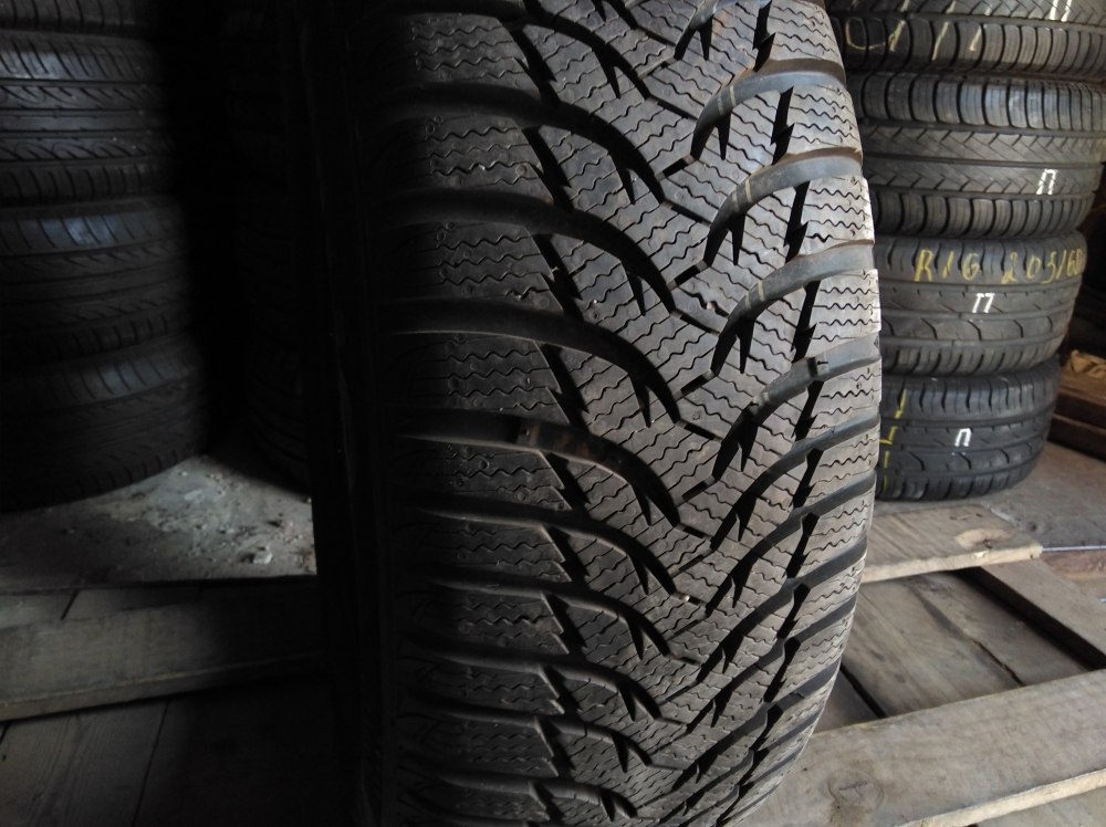 Kumho Winter Craft 195/65R 15