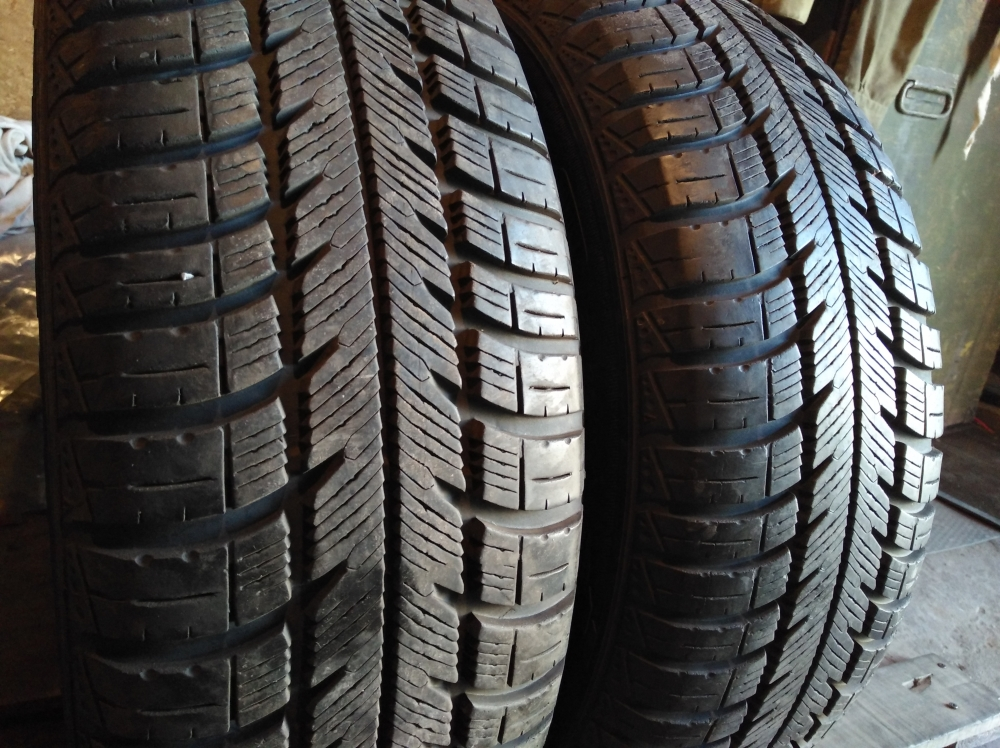 GoodYear Eagle Vector 4 season 205/65R 15