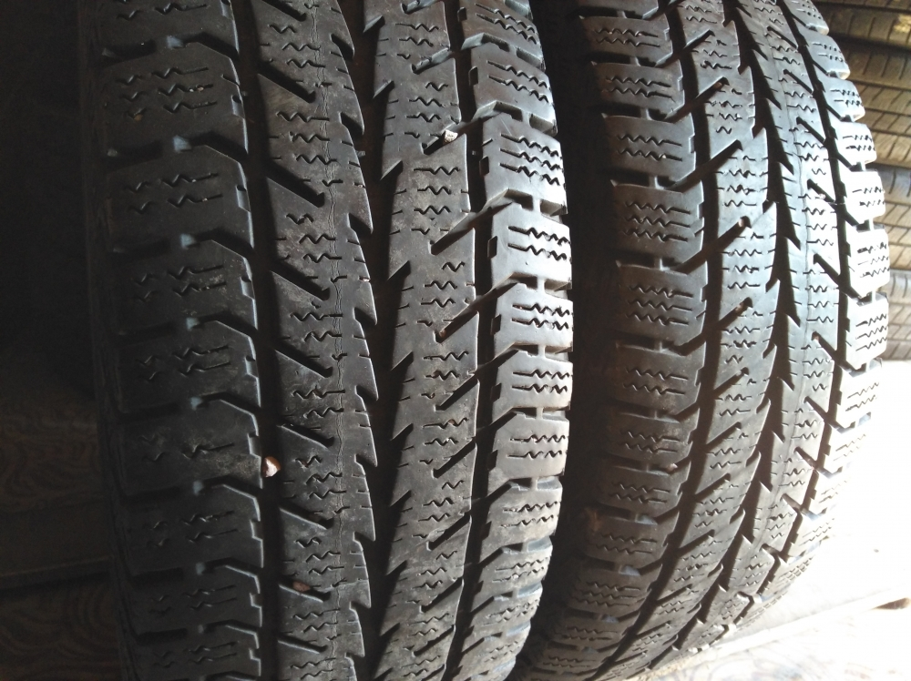 Continental Winter Contact 2 205/65R 16C