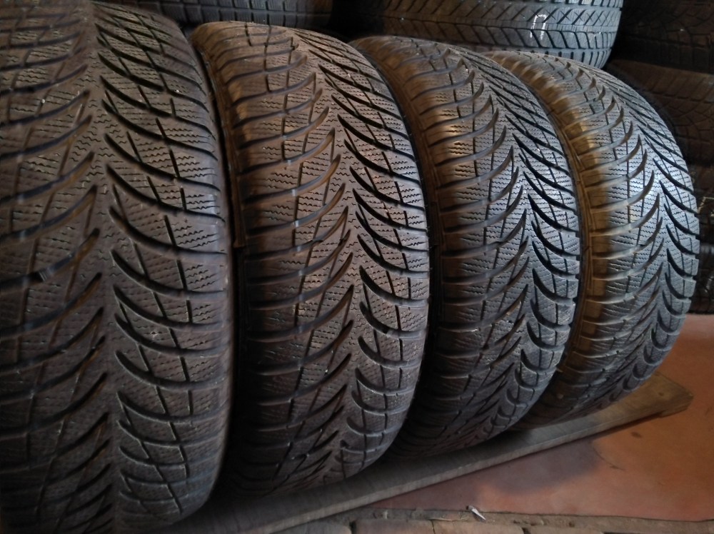 GoodYear Ultra Grip 7+ 205/60R 16
