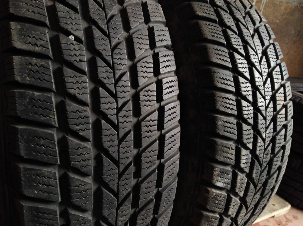 Hankook W400 Winter Radial 225/70R 16