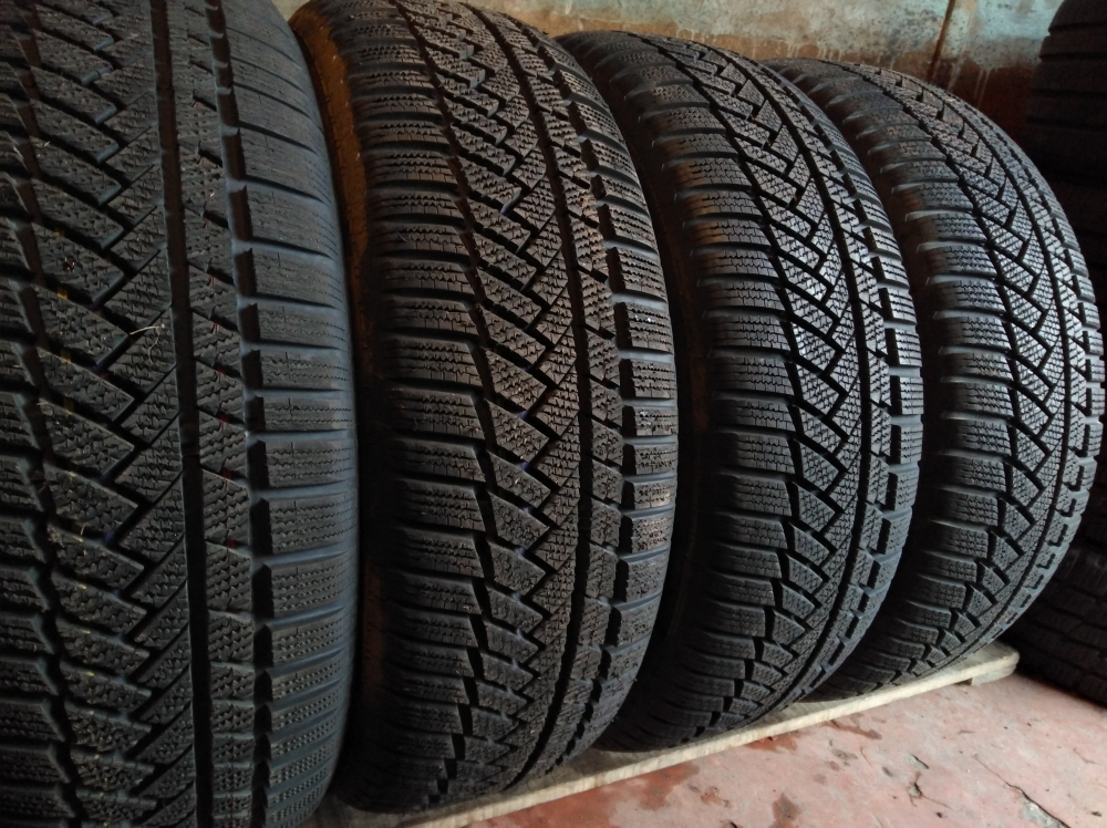 Continental Winter Contact Ts 850p 235/60R 18