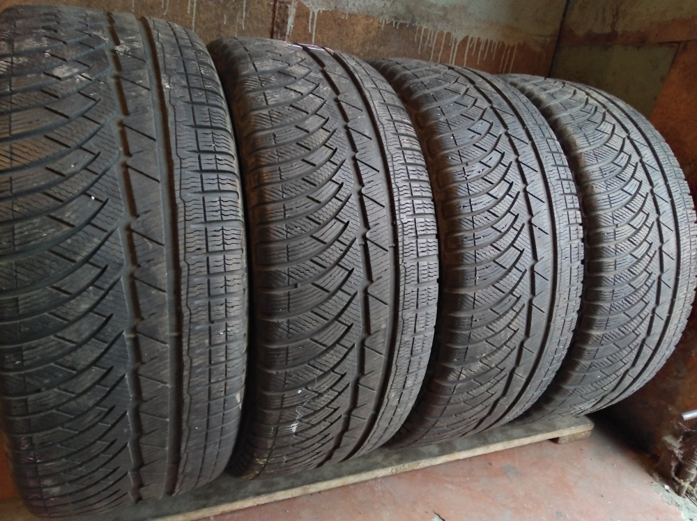 Michelin Pilot   Alpin PA 4 255/45R 18