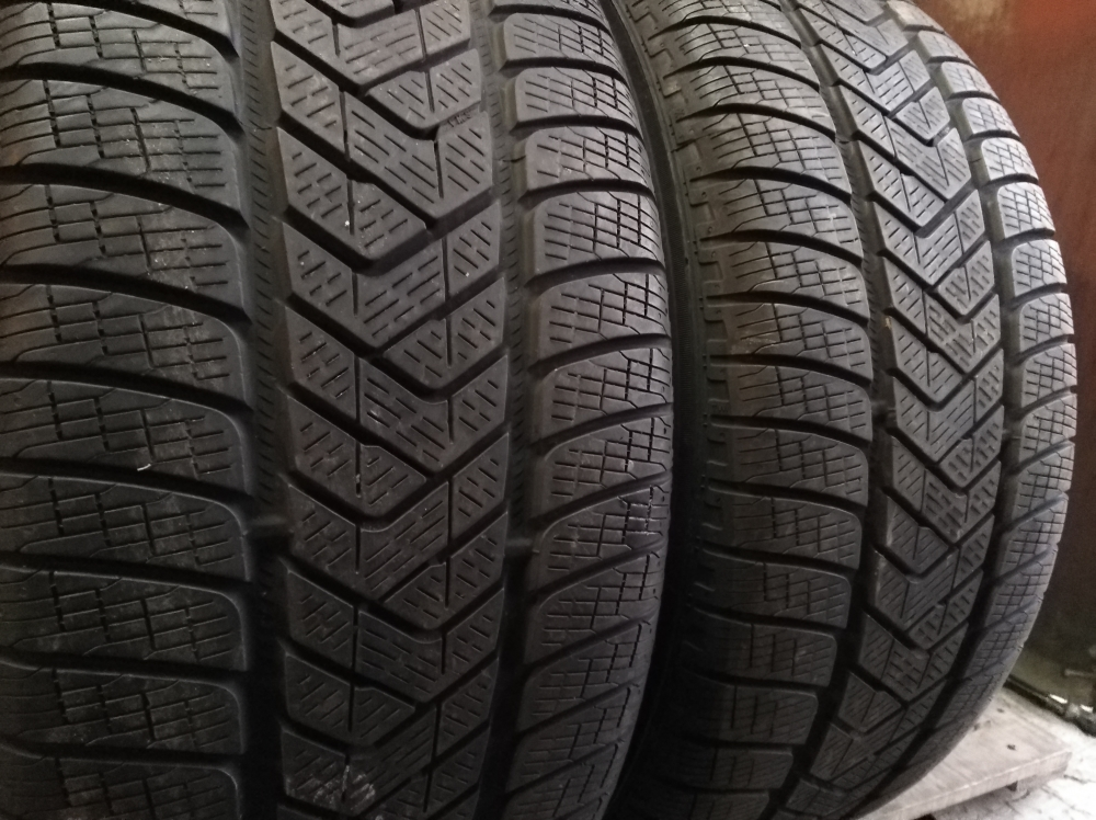 Pirelli Scorpion Winter 255/55R 18