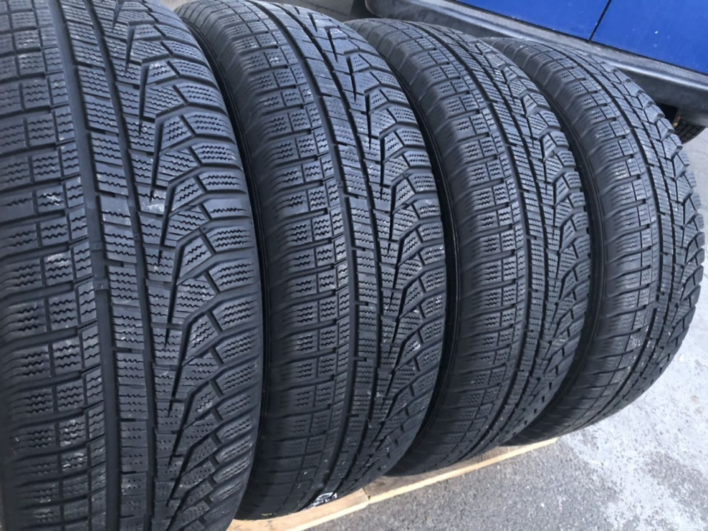 Hankook Winter I cept evo 2. 215/60R 17