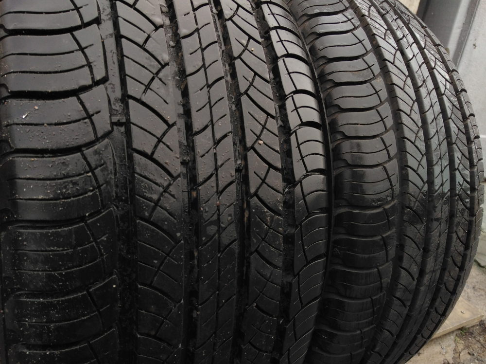 Michelin Latitude Tour HP 235/50R 18