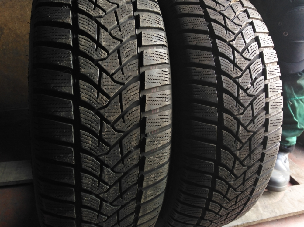 Dunlop SP Winter Sport 5. 205/60R 16