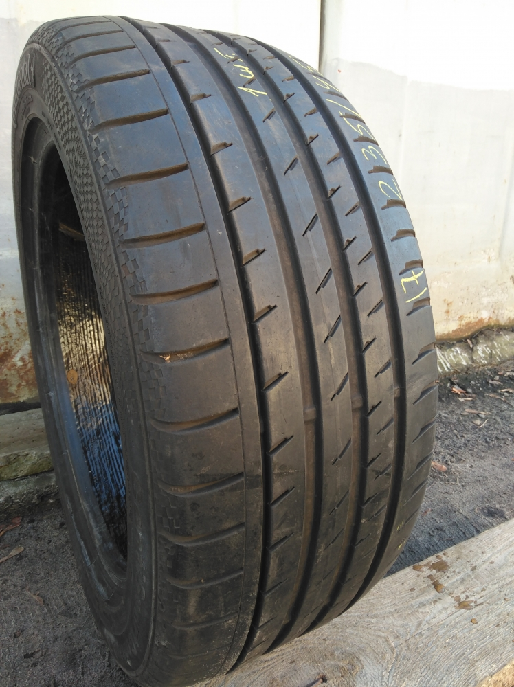 Continental ContiSportContact 3. 235/45R 17