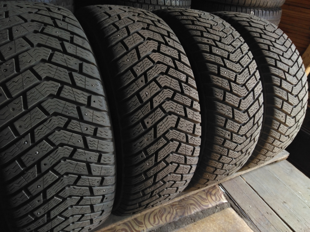 Kelly Winter Ice 205/55R 16