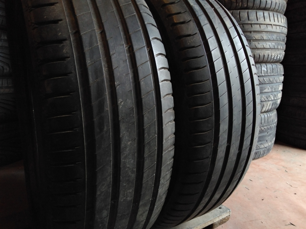 Michelin Latitude Tour 3 235/60R 18