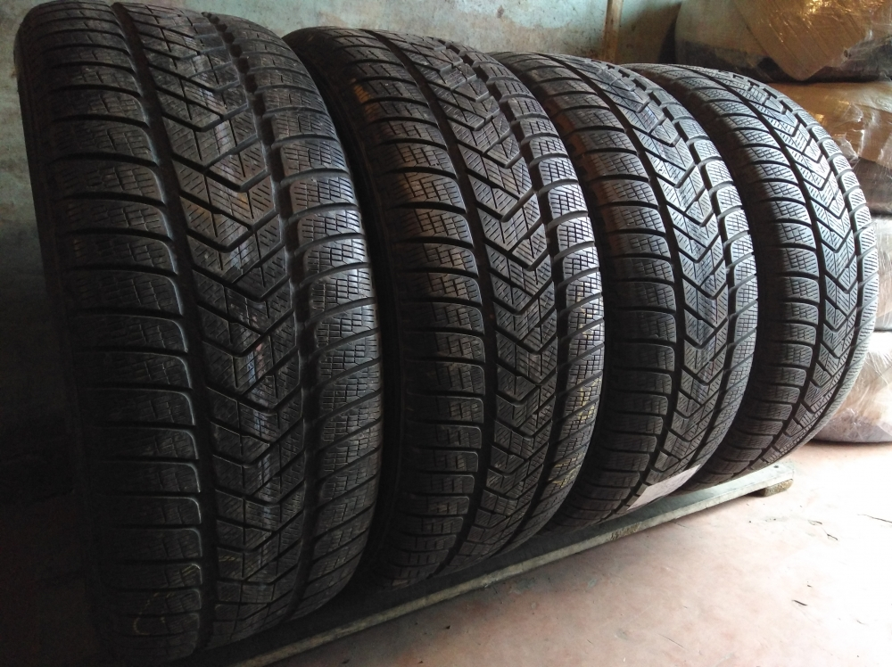 Pirelli Scorpion Winter. 255/55R 19