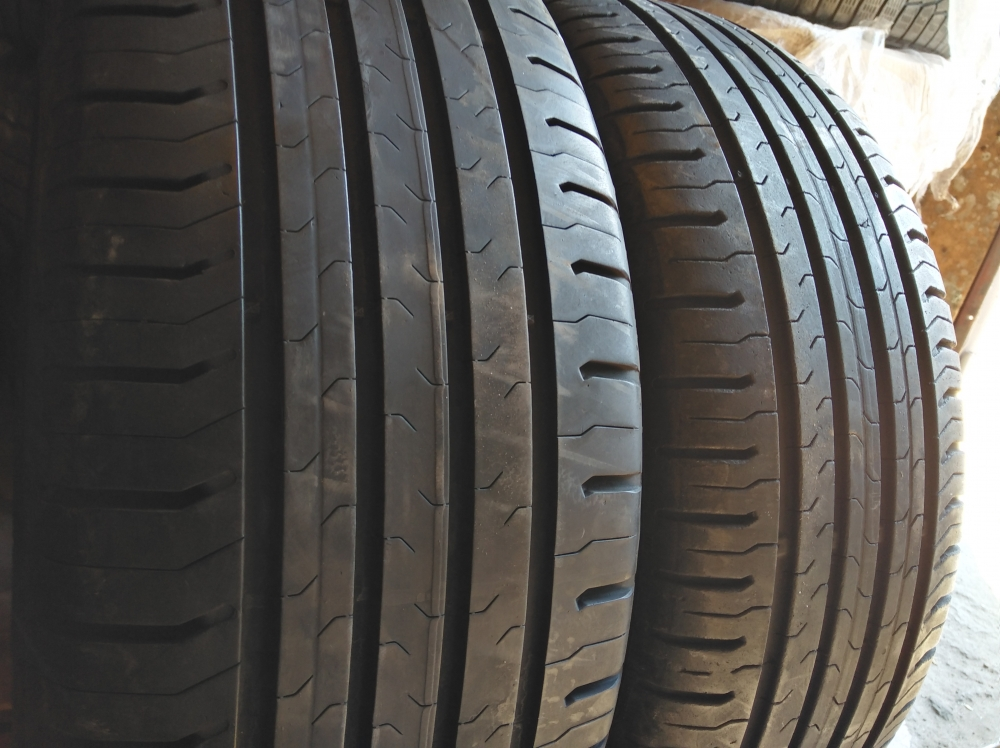 Continental ContiEcoContact 5 215/55R 17