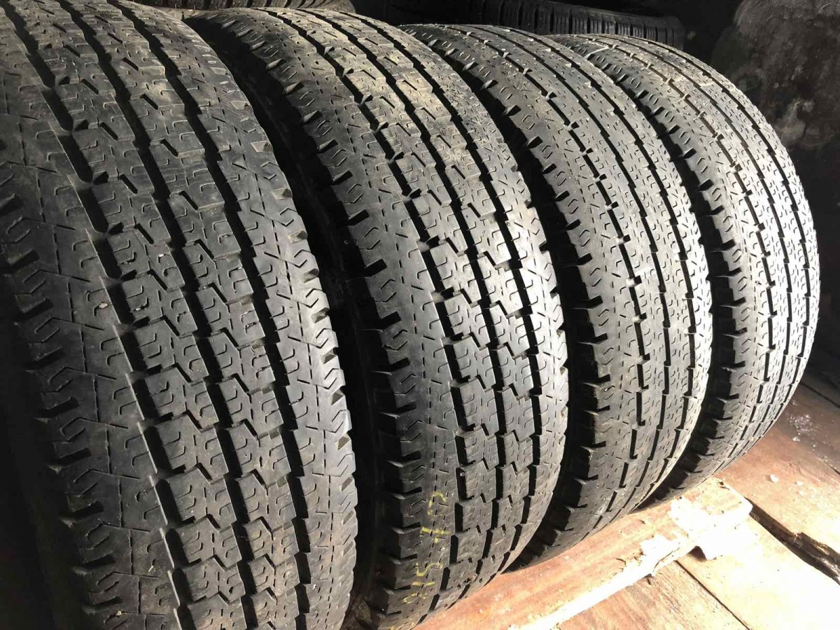 Michelin Agilis 81 215/70R 15C