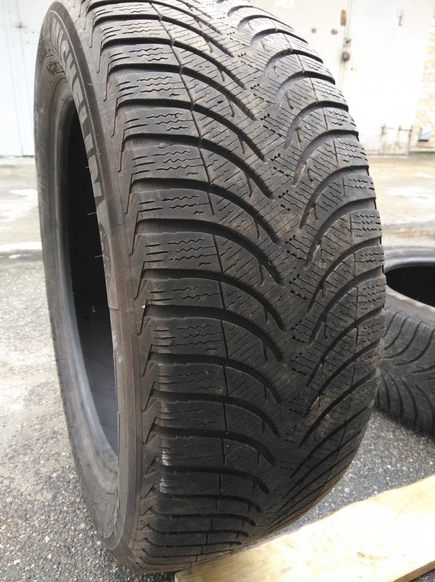 Michelin Alpin A4/ 215/55R 17