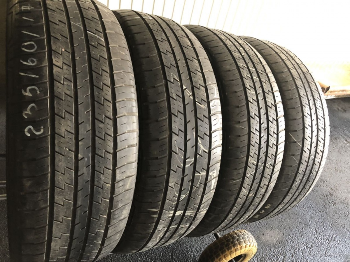 Continental 4x4  Contact 235/60R 17