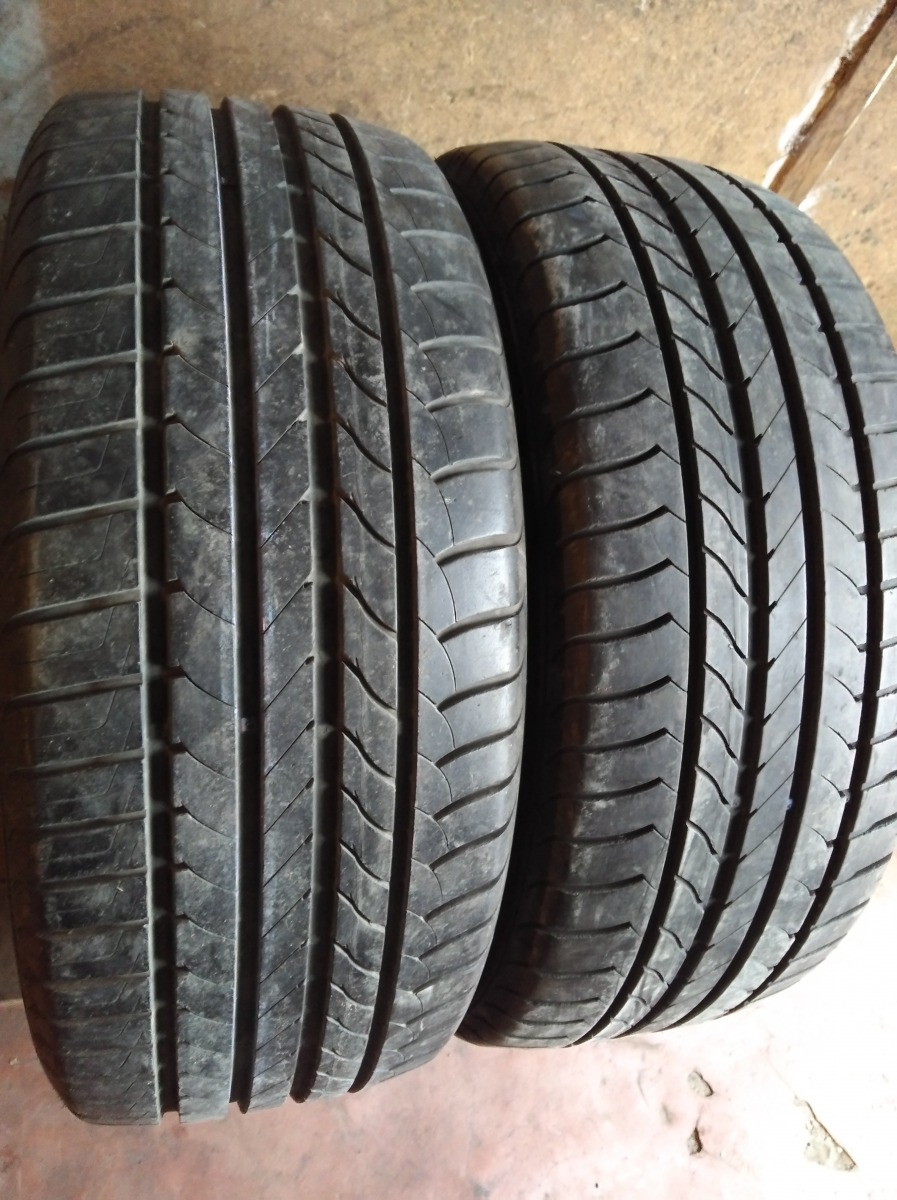 GoodYear Efficient Grip Performance 215/50R 17