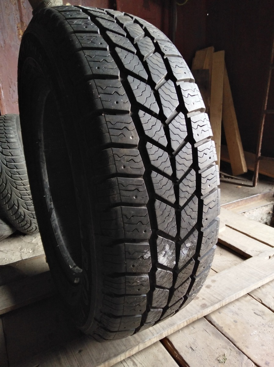 GoodYear Cargo Ultra Grip 215/65R 16C