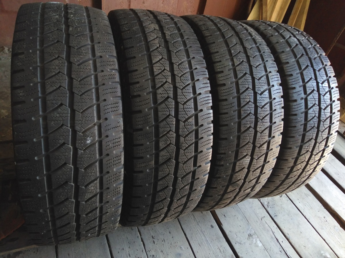 Semperit Van-Grip 215/65R 16C