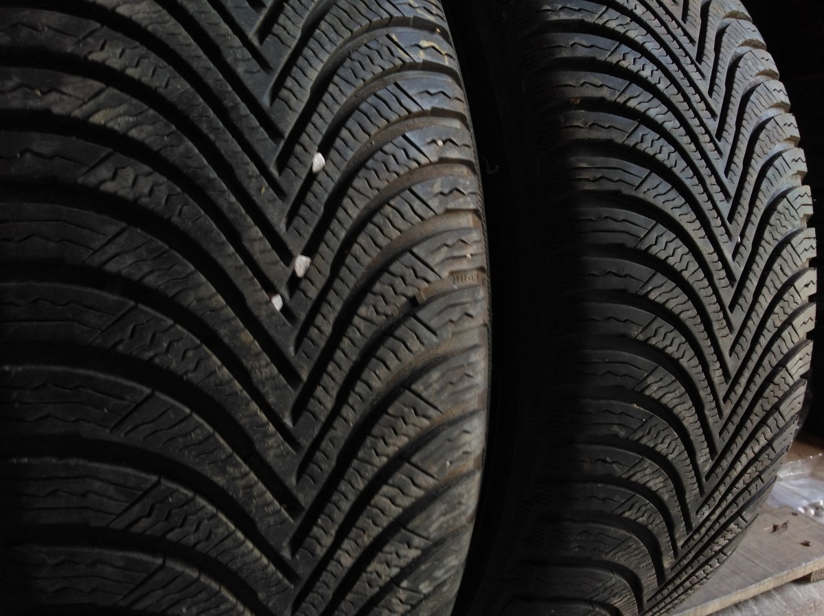 Michelin Alpin 5 215/60R 17