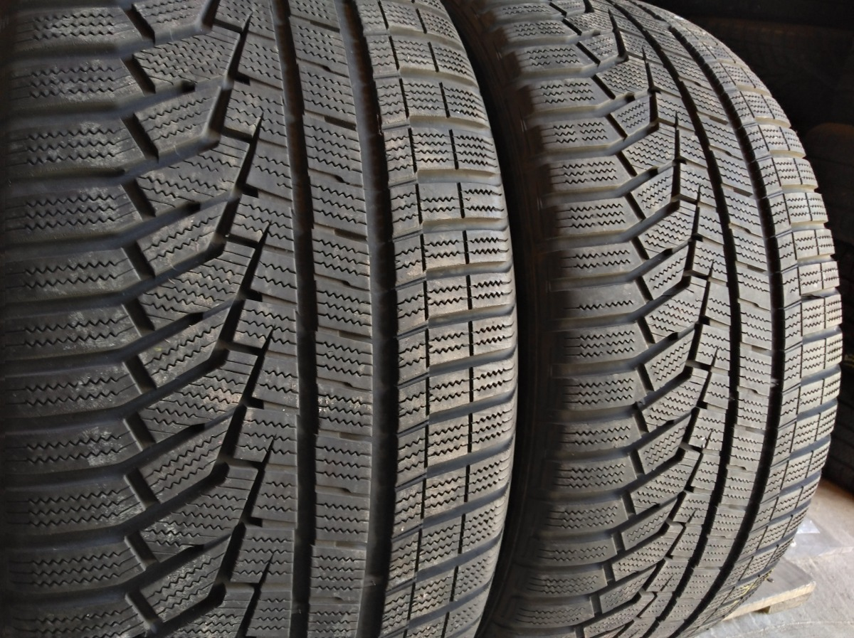 Hankook Winter I Cept Evo 2 Suv 275/40R 20
