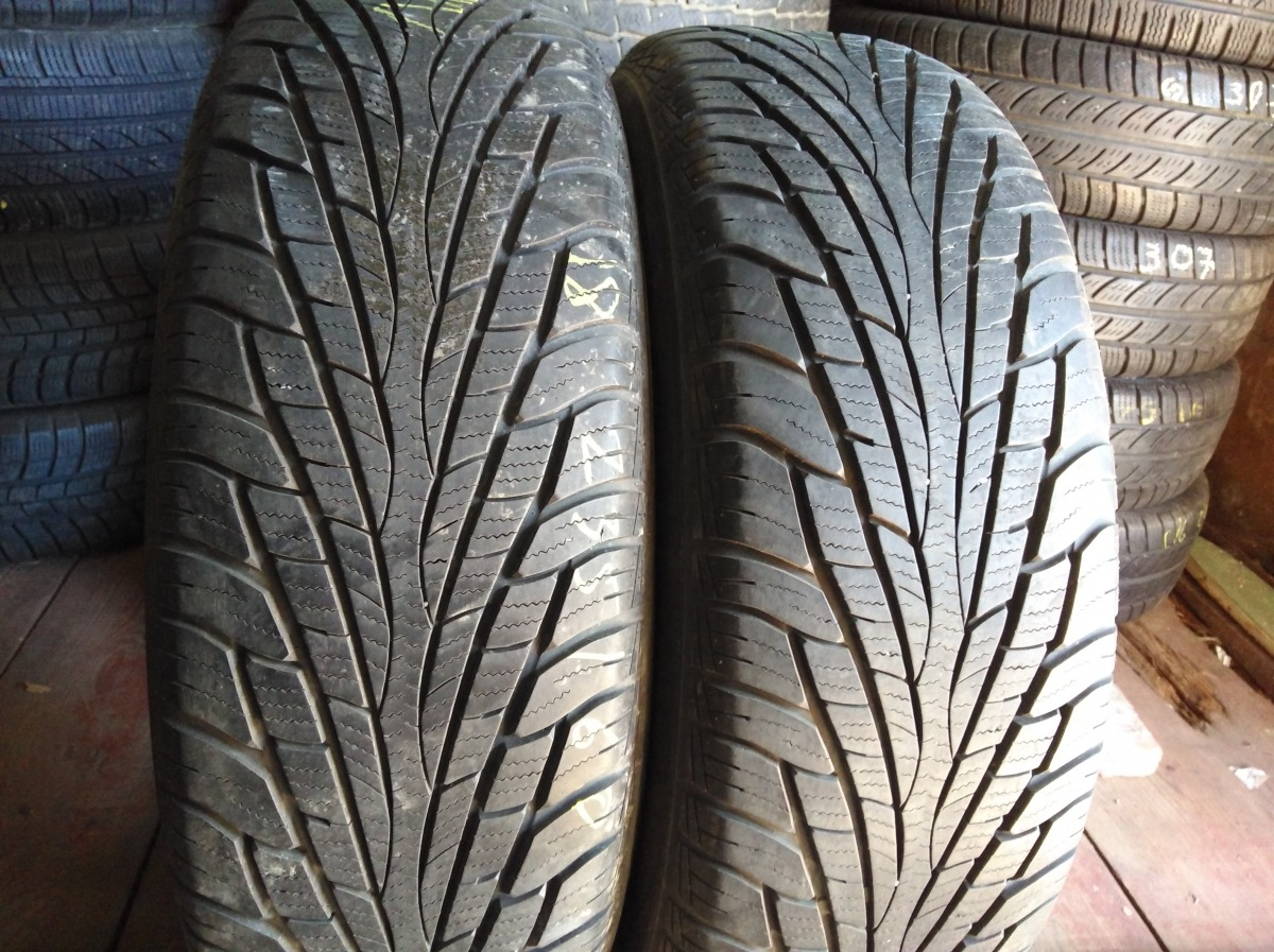 Maxxis Victra SUV M+S 235/60R 18