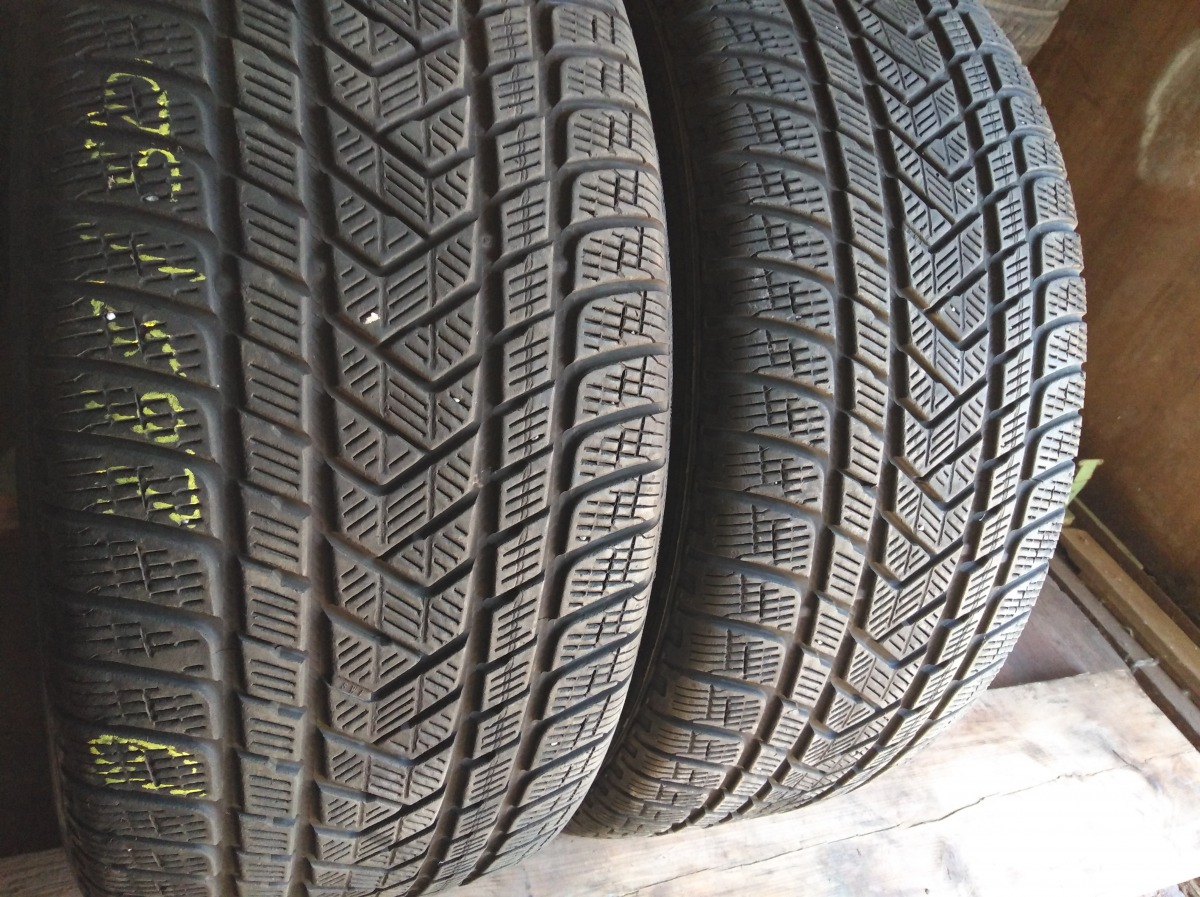 Pirelli Scorpion  Winter 265/50R 19