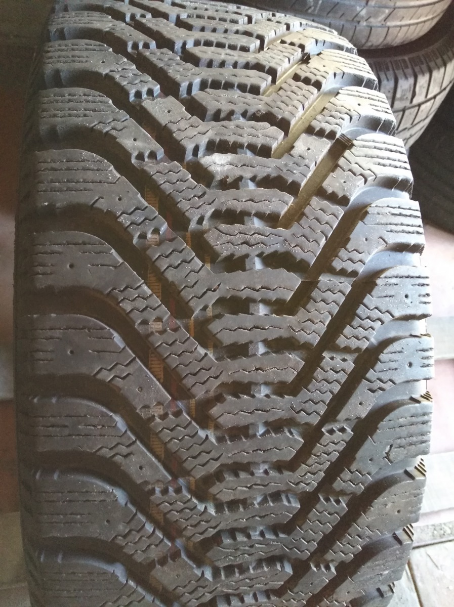 Goodyear UltraGrip 500 245/45R 18