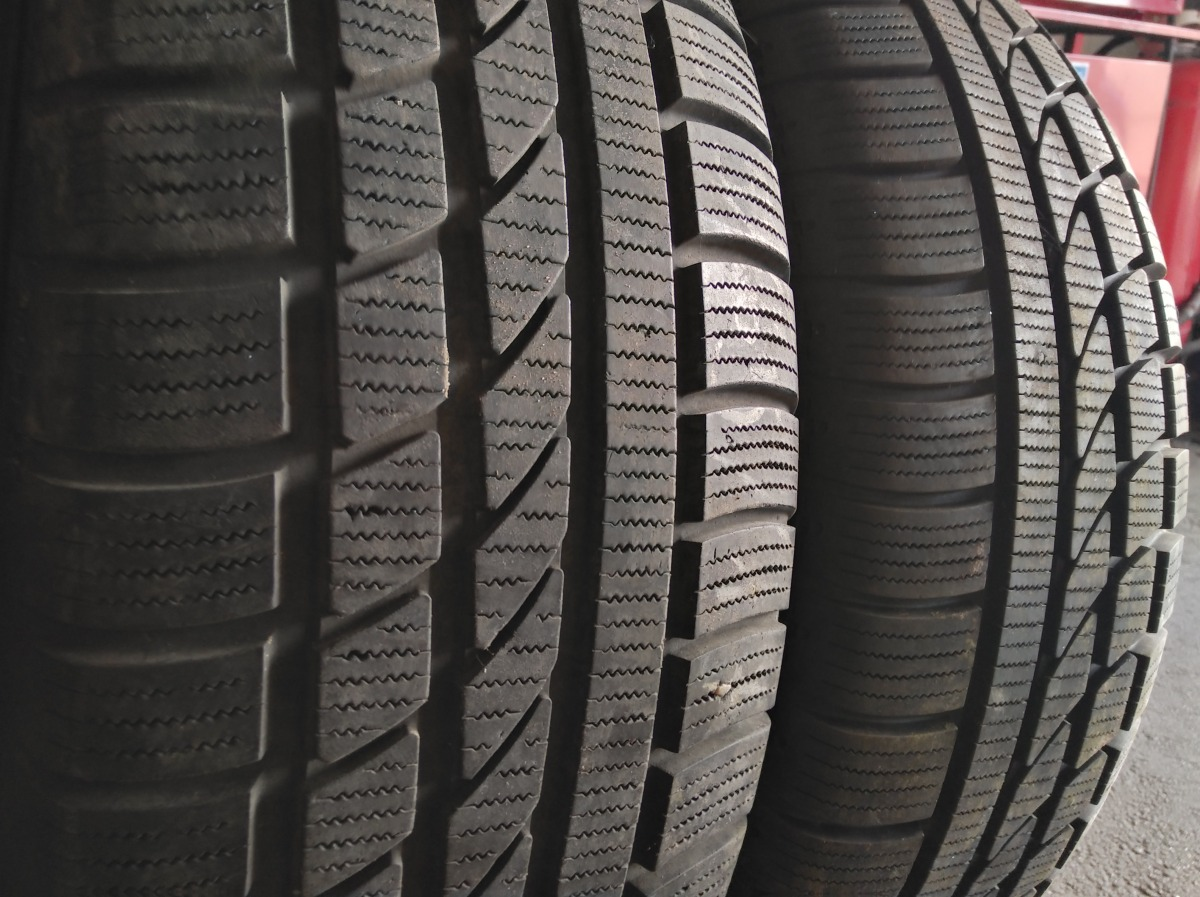 Hankook Ice Bear W 300 225/65R 17