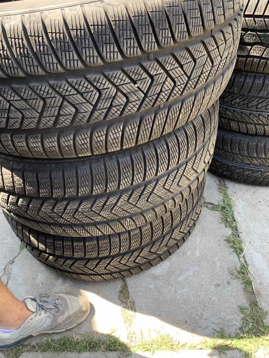 Pirelli Scorpion Winter 265/50R 20