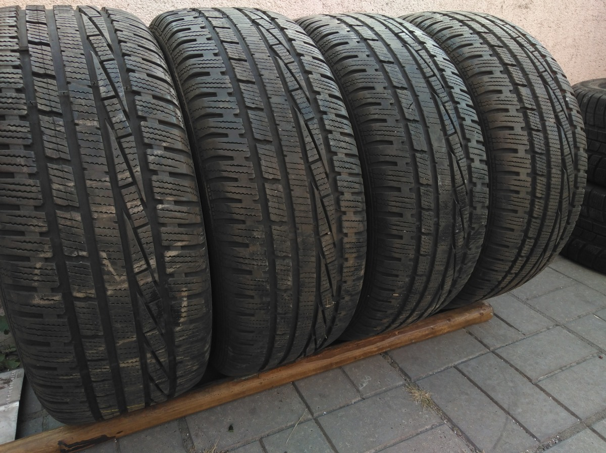 GoodYear Ultra Grip Performance 215/55R 16