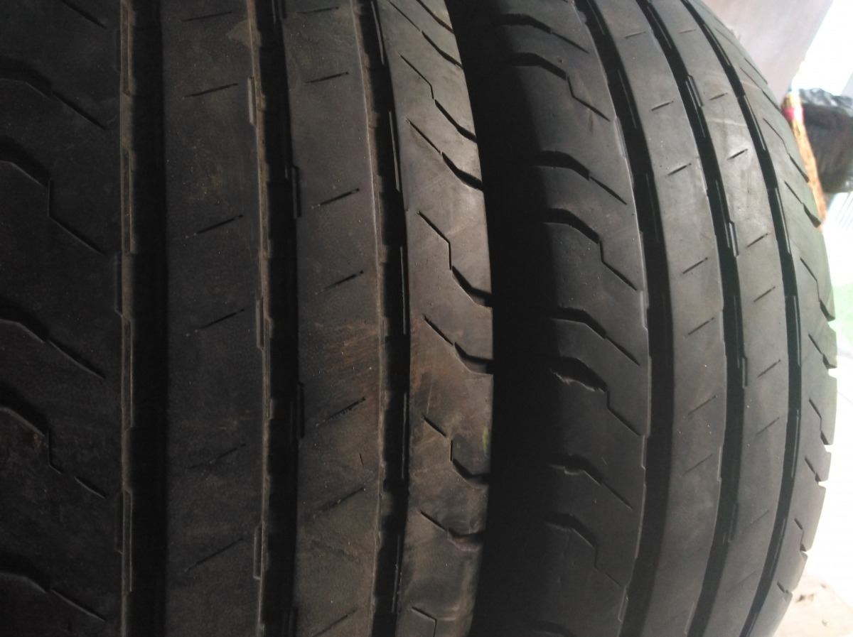 Continental ContiVancoContact 100 215/75R 16C