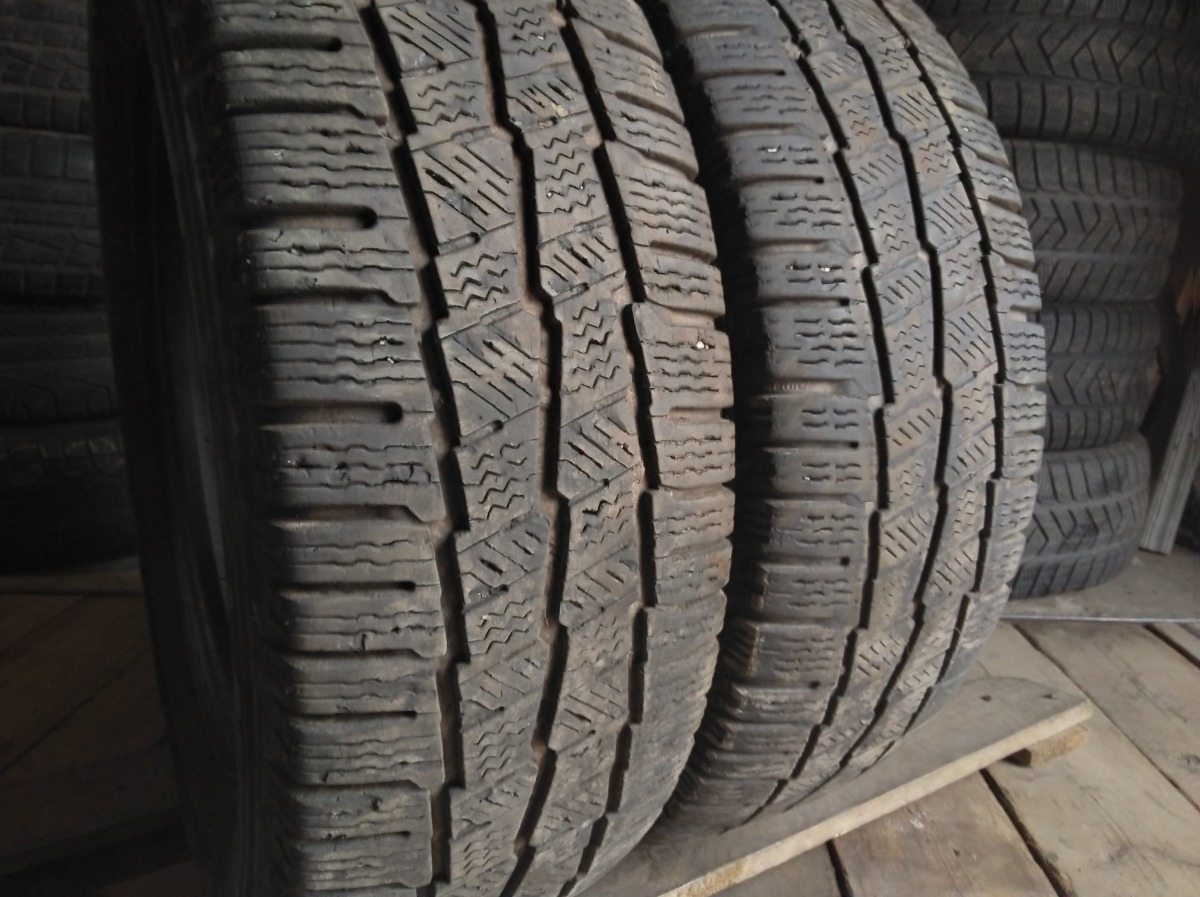 Michelin Agilis Alpin . 215/65R 16C