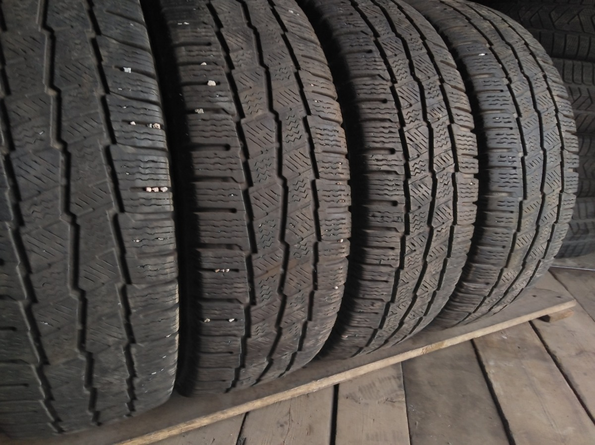 Michelin Agilis Alpin 215/65R 16C