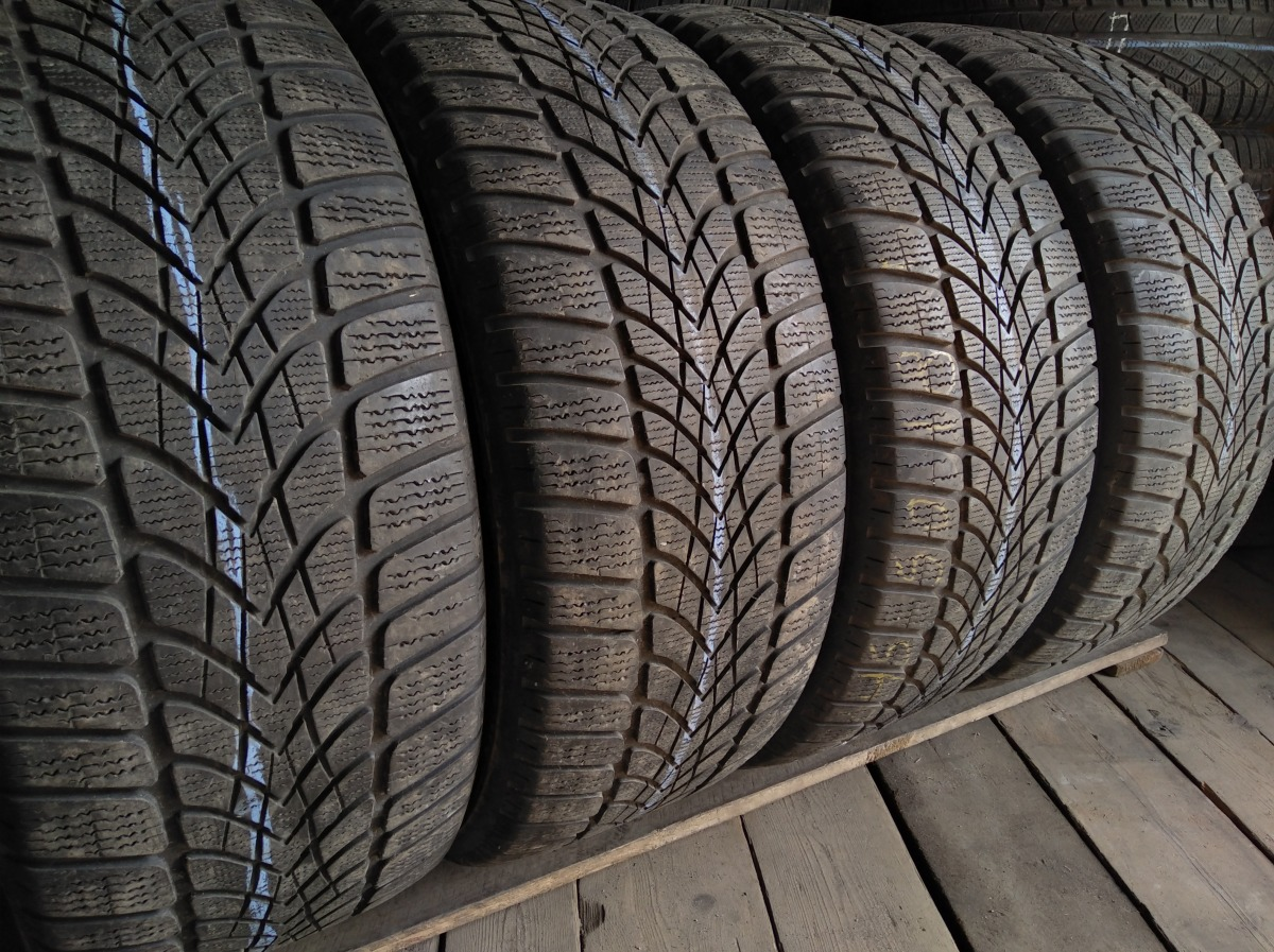Dunlop SP WinterSport 4D 245/50R 18