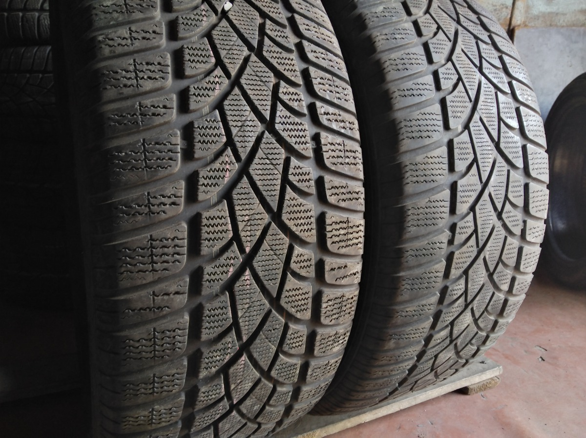 Dunlop Sp Winter Sport 275/45R 20